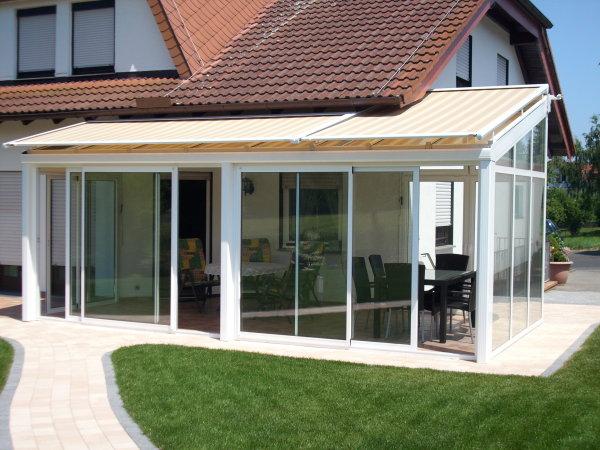 terrassendach mit sonnenschutz terrassendach zum ffnen auch ohne glas. Black Bedroom Furniture Sets. Home Design Ideas