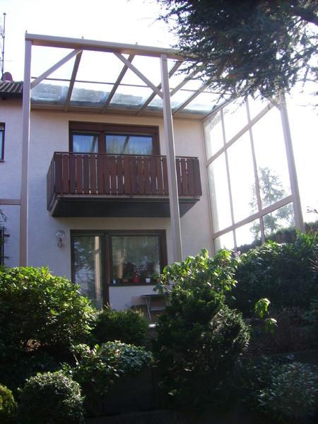 balkon terrassendach. Black Bedroom Furniture Sets. Home Design Ideas